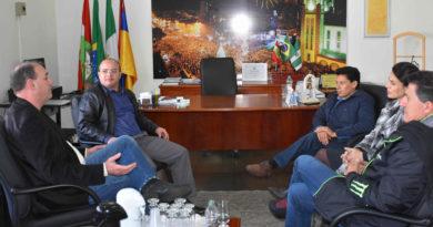 Presidente da Câmara de Chapecó recebe visita do delegado regional, Wagner Meirelles